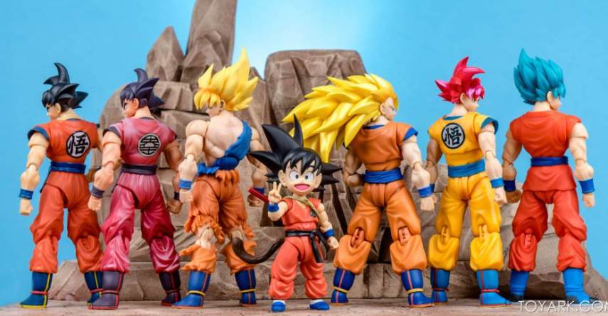 Dragonball SHF Kid Goku with other SHF Figures
