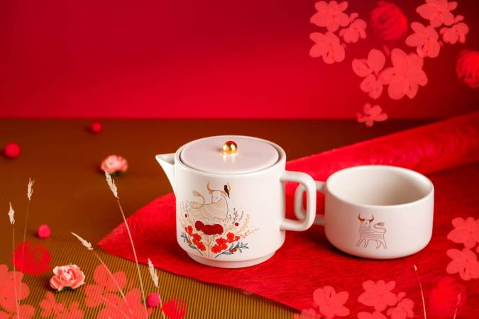 Starbucks releases a series of CNY themed products commemorating the year of the Ox.
